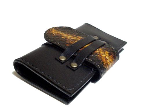 グラデーションのヘビ革x本牛革キーケース