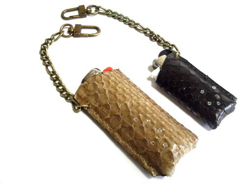 ダイヤモンドパイソンとスワロの100円ライターケース