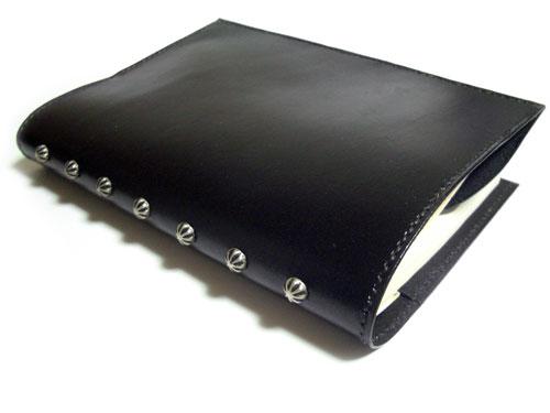 かっこいい黒革ブックカバー1
