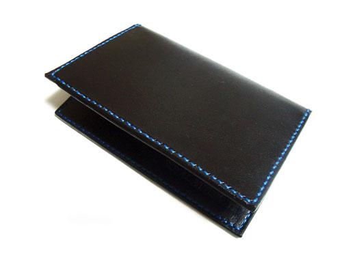 ブルーステッチのシンプルカードケース1