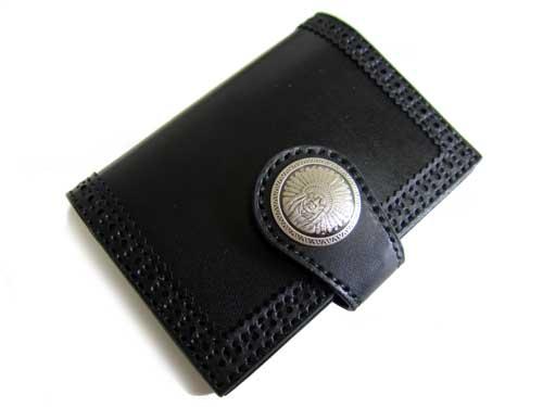 コンチョの留め具付きカードケース
