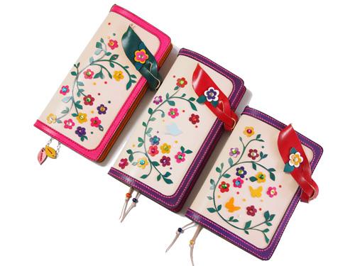 花モチーフの手帳カバー