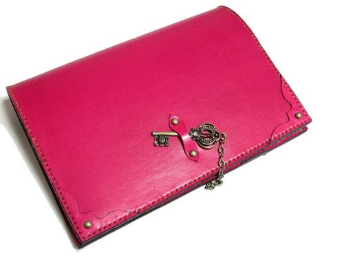 ピンクの可愛い鍵チャーム付き手帳カバー